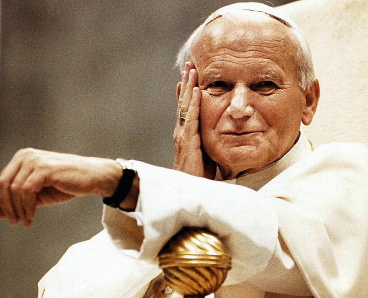 Linh mục trừ quỷ của thành Rôma cho biết, chân phước giáo hoàng Gioan Phaolô II rất mạnh thế trước quỷ satan